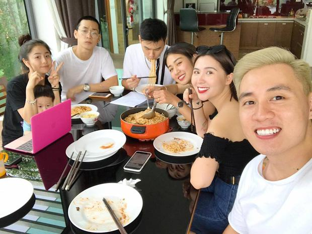 3 gia đình hot nhất mạng xã hội khoe ảnh đi du lịch chung khiến fan phát hờn-3