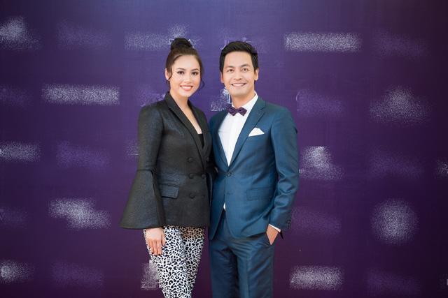 MC Phan Anh và Á hậu Hoàng My bất đồng khi cùng cân thí sinh Hoa hậu Hoàn vũ Việt Nam-4