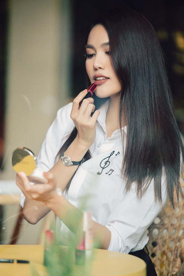 Tin sao Việt 14/9: Lê Phương khóc nức nở khi thấy cuộc đời mình lên phim-6