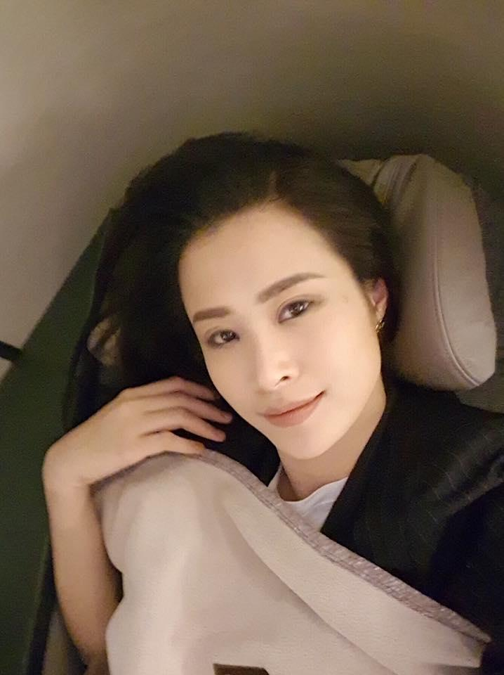 Tin sao Việt 14/9: Lê Phương khóc nức nở khi thấy cuộc đời mình lên phim-7