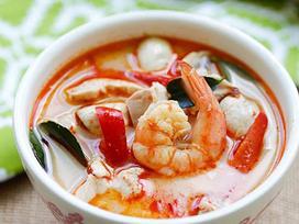 Tuyệt chiêu chế biến món súp tôm nước dừa kiểu Thái