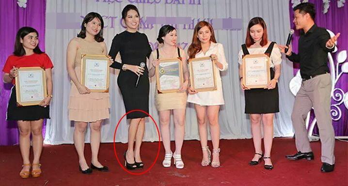 Nhiều mỹ nhân Việt sở hữu đôi chân tong teo gây ám ảnh không thua kém Cao Ngân-4