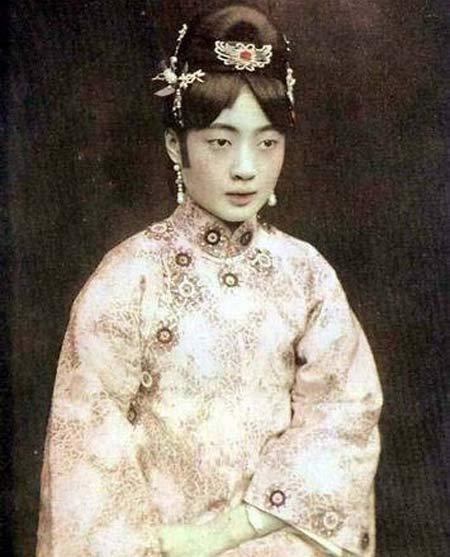 Hoàng hậu Trung Hoa cuối cùng: Đóa hoa sa ngã, tuổi thanh xuân sống trong ghẻ lạnh, chết cô độc ở trại giam-3
