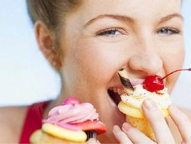 Đúng những khung 'giờ vàng' sau mà ăn thì bao nhiêu cũng không sợ béo