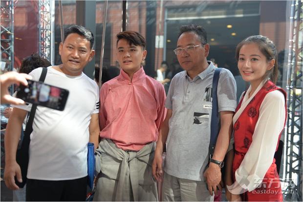 Ngày nhập học, lò đào tạo minh tinh hàng đầu Trung Quốc toàn thấy trai đẹp gái xinh-3