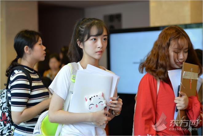 Ngày nhập học, lò đào tạo minh tinh hàng đầu Trung Quốc toàn thấy trai đẹp gái xinh-4