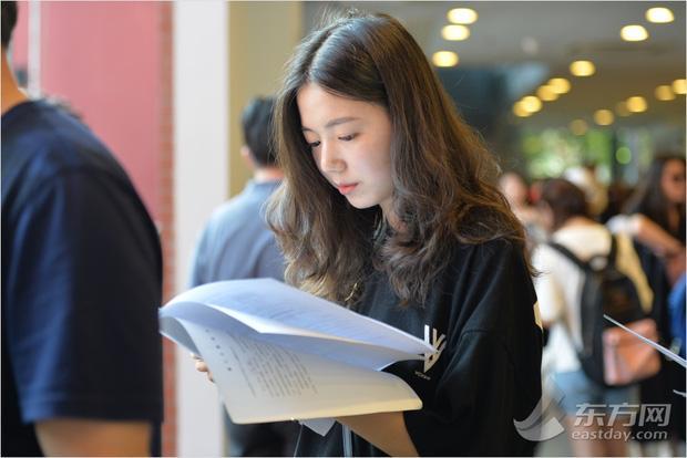 Ngày nhập học, lò đào tạo minh tinh hàng đầu Trung Quốc toàn thấy trai đẹp gái xinh-1