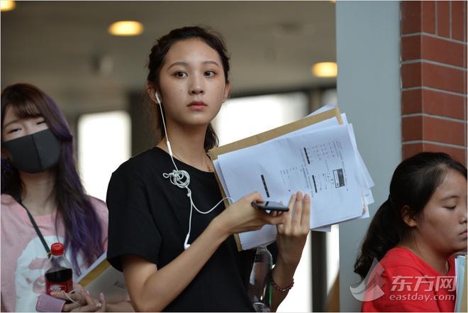 Ngày nhập học, lò đào tạo minh tinh hàng đầu Trung Quốc toàn thấy trai đẹp gái xinh-5