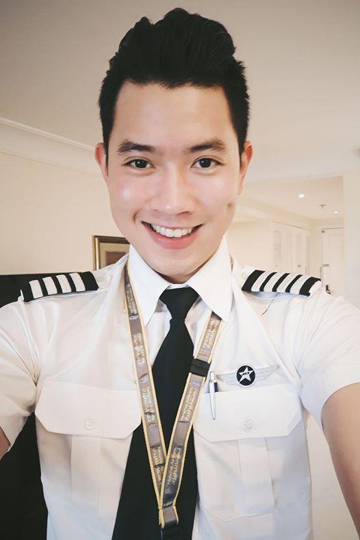 Cơ trưởng đẹp trai nhất Việt Nam khoe giọng hát cực ngọt khiến hội chị em