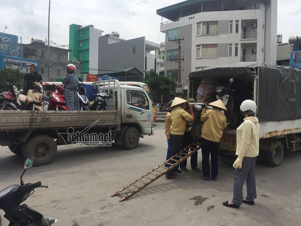 Quảng Ninh: Gió giật cực mạnh, cấm xe máy qua cầu Bãi Cháy-1