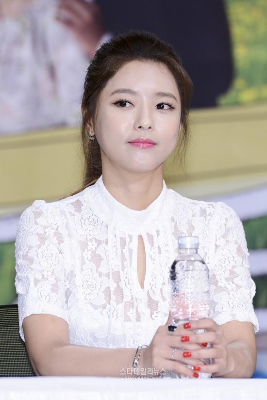 Nhan sắc bỏ xa tuổi thật của mỹ nhân khiến Song Hye Kyo phải lép vế-4