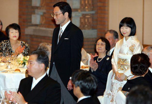 Ngôn tình hoàng gia Nhật: 3 nàng công chúa sẵn sàng từ bỏ tước vị vì tình yêu-2