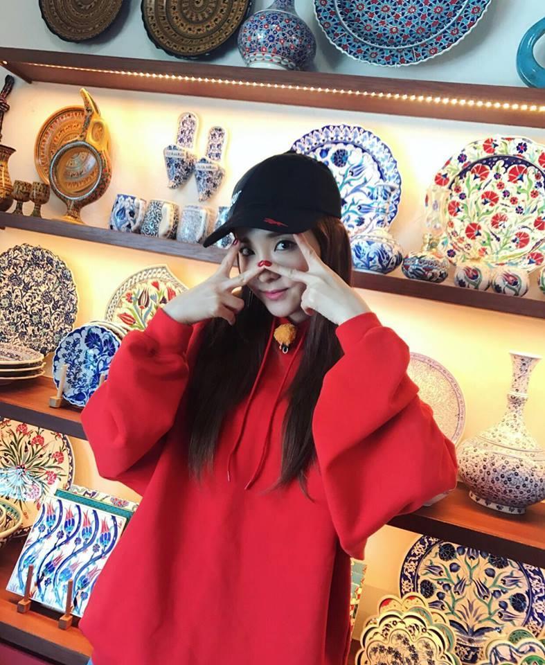 Park Shin Hye - Jessica diện street style cực chất trong Tuần lễ thời trang New York-3