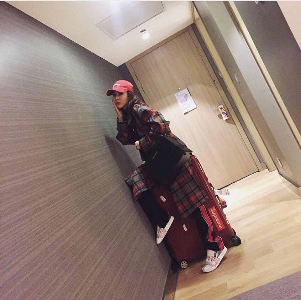 Park Shin Hye - Jessica diện street style cực chất trong Tuần lễ thời trang New York-4