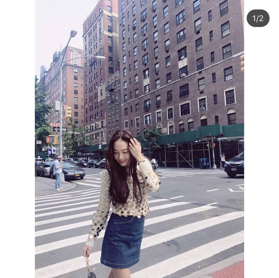 Park Shin Hye - Jessica diện street style cực chất trong Tuần lễ thời trang New York-9
