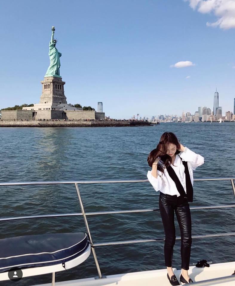 Park Shin Hye - Jessica diện street style cực chất trong Tuần lễ thời trang New York-10