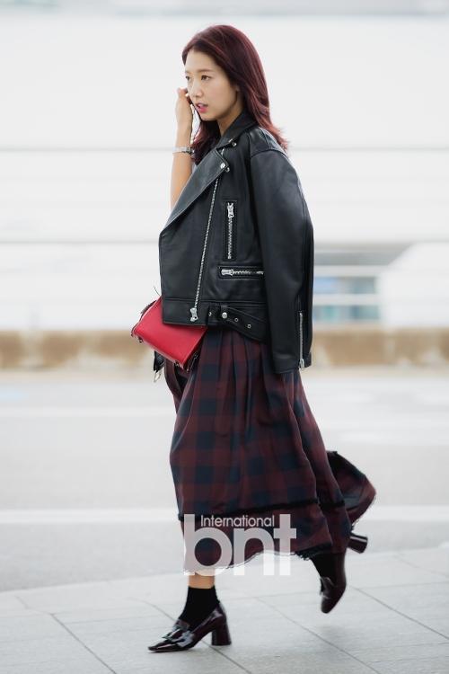 Park Shin Hye - Jessica diện street style cực chất trong Tuần lễ thời trang New York-2