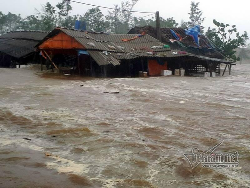 Bão số 10 quét qua, nhiều tỉnh thành ở Việt Nam thất thủ-4