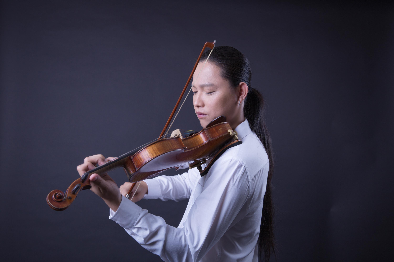 Nghe lại những bản tình ca xứ Hàn bất hủ qua tiếng violin của Tú Xỉn-1