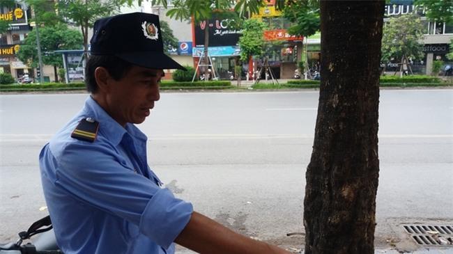 Lời kể người chứng kiến vụ vợ hô cướp, chồng bị dân truy đuổi đánh gãy răng gây náo loạn ở Hà Nội-3