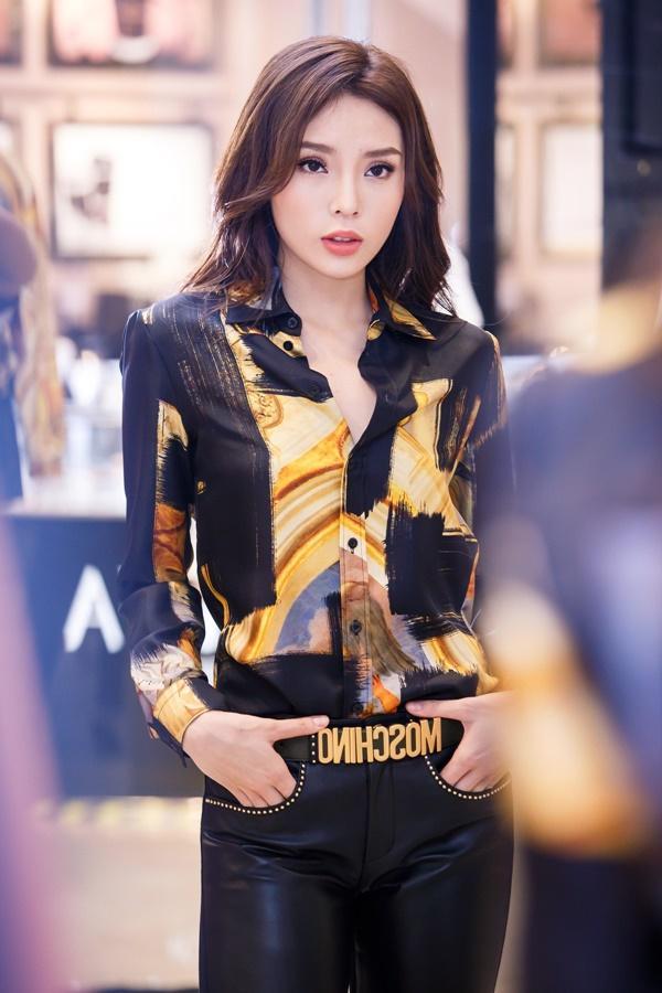 Hoa hậu Kỳ Duyên phủ đầy hàng hiệu khi đến Milan Fashion Week 2017-6