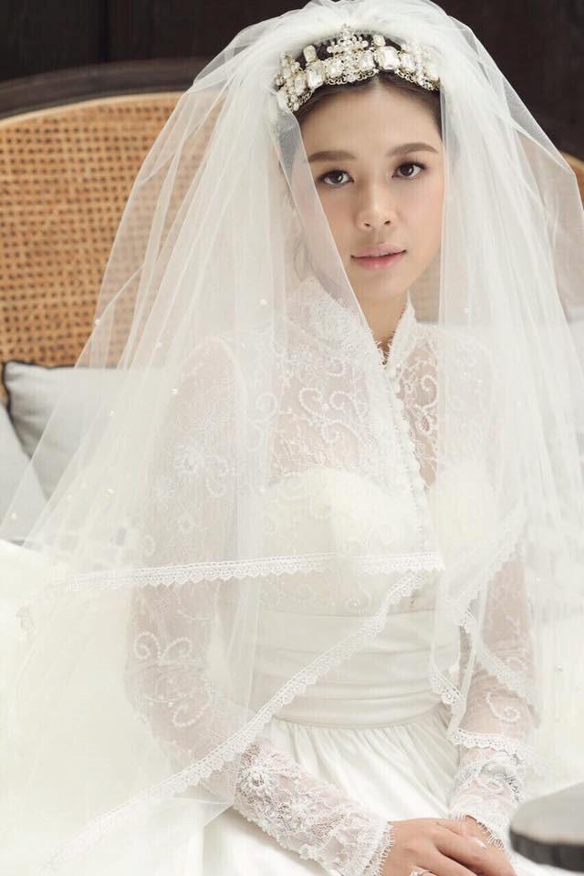 Lộ ảnh cưới của giám đốc VTV24 Quang Minh và nữ nhà văn 8X-2