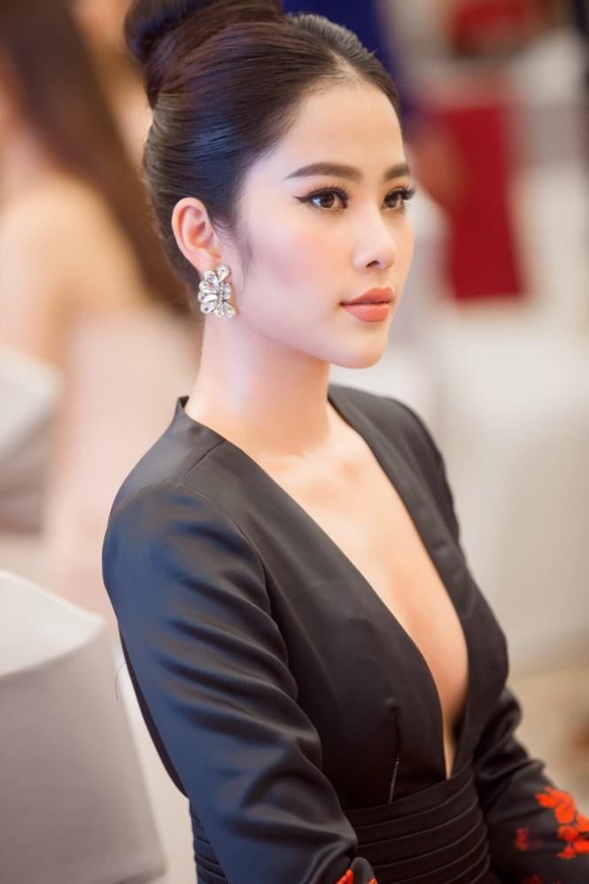 Hoa khôi Nam Em được đại gia Chu Đăng Khoa bao bọc dẫn đầu tin đồn showbiz tuần qua-6