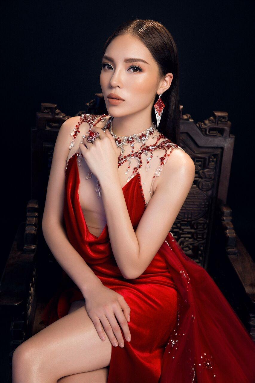 Đụng độ váy áo, Hoa hậu Kỳ Duyên vẫn chặt đẹp Hoa khôi Lan Khuê-7