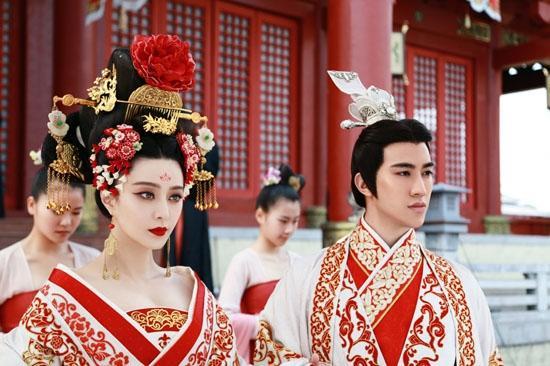 Trước khi được Lý Thần cầu hôn, Phạm Băng Băng từng 5 lần làm cô dâu tuyệt sắc-7