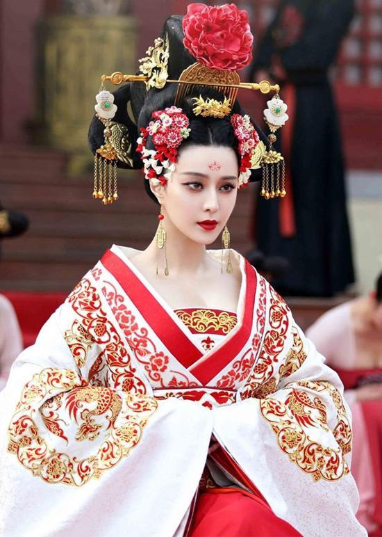 Trước khi được Lý Thần cầu hôn, Phạm Băng Băng từng 5 lần làm cô dâu tuyệt sắc-8