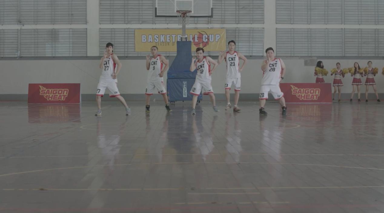 Cặp soái ca 6 múi Hữu Vi - Rocker Nguyễn gây sốt khi múa phụ họa trong Mona lisa-2
