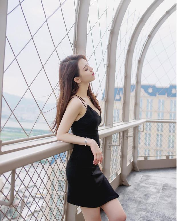 Cô bạn Trung Quốc mặt xinh, dáng đẹp, đáng yêu