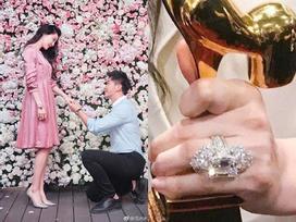 Cận cảnh chiếc nhẫn Lý Thần cầu hôn Phạm Băng Băng: Chưa bao giờ lung linh và hoành tráng đến thế