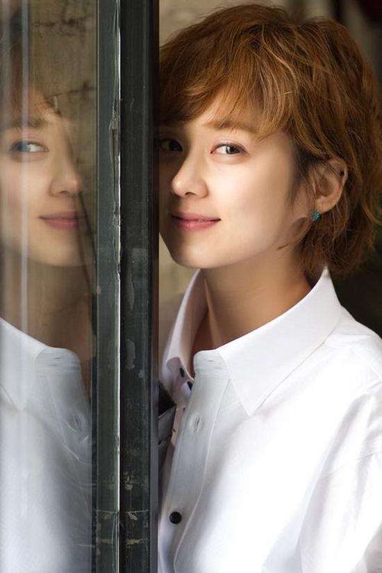 Trẻ đẹp như thiếu nữ ở tuổi 36, Jang Na Ra bị gán mác ma cà rồng-8