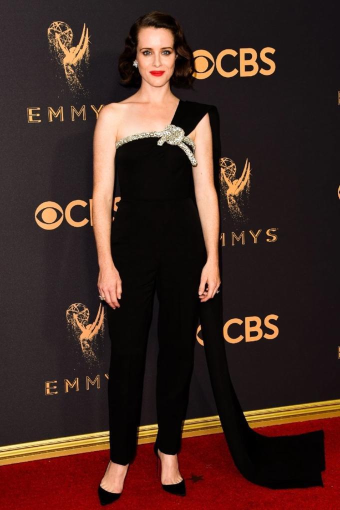 Bước qua tuổi 50, Nicole Kidman vẫn chặt đẹp dàn mỹ nhân trên thảm đỏ Emmy 2017-2