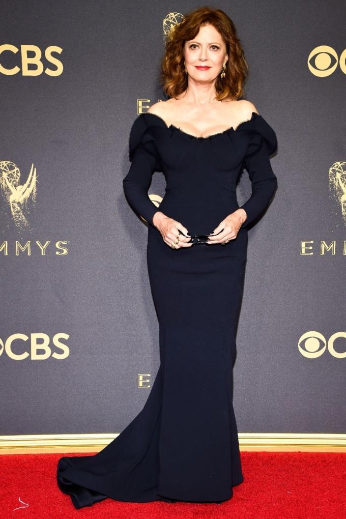 Bước qua tuổi 50, Nicole Kidman vẫn chặt đẹp dàn mỹ nhân trên thảm đỏ Emmy 2017-7