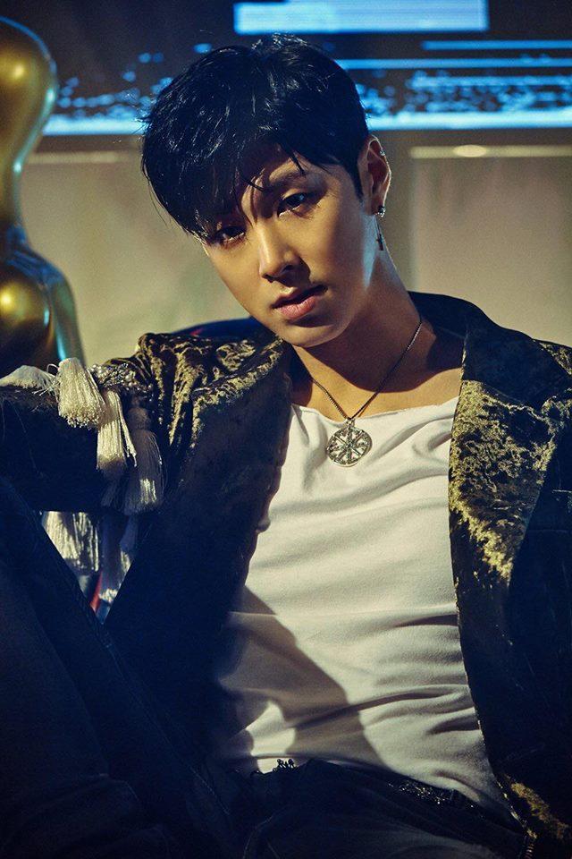 Sao Hàn 18/9: Chú rể tháng 10 Song Joong Ki quyến rũ trên bìa tạp chí-4