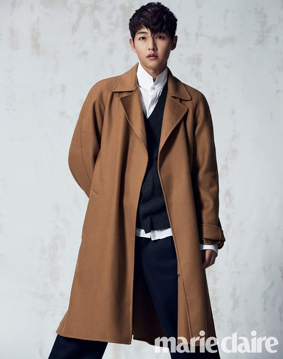 Sao Hàn 18/9: Chú rể tháng 10 Song Joong Ki quyến rũ trên bìa tạp chí-1