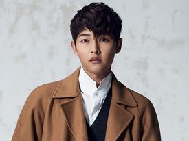 Sao Hàn 18/9: 'Chú rể tháng 10' Song Joong Ki quyến rũ trên bìa tạp chí