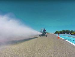 Xe máy tăng tốc nhanh hơn viên đạn
