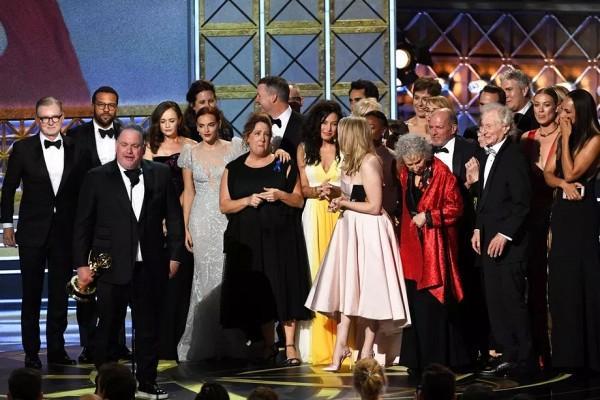 Kết quả Emmy 2017: Phái nữ lên ngôi, The Voice giành quán quân TV Show-1
