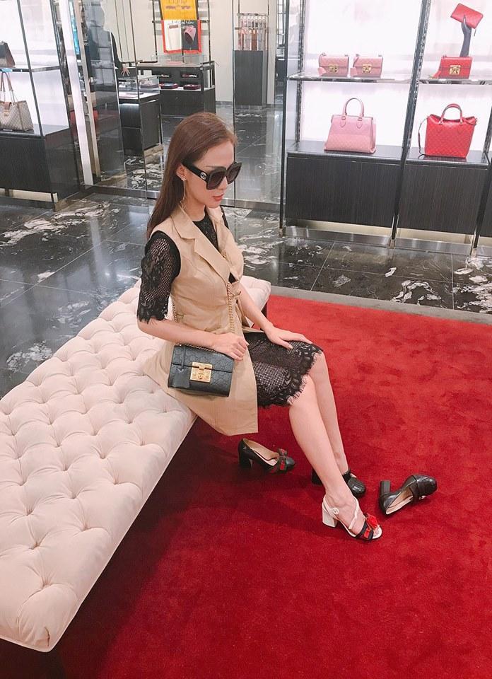 Hot girl - hot boy Việt 19/9: Châu Bùi gây sốt làng thời trang khi mặc crop-top bàn tay hư-7
