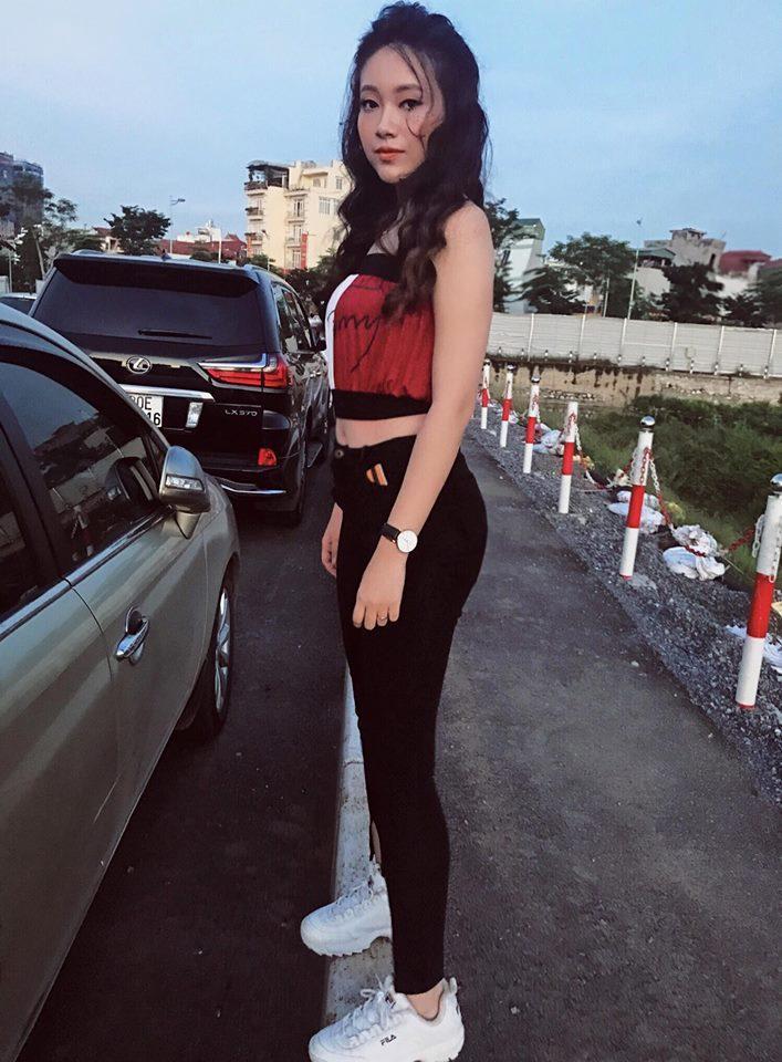 Hot girl - hot boy Việt 19/9: Châu Bùi gây sốt làng thời trang khi mặc crop-top bàn tay hư-10