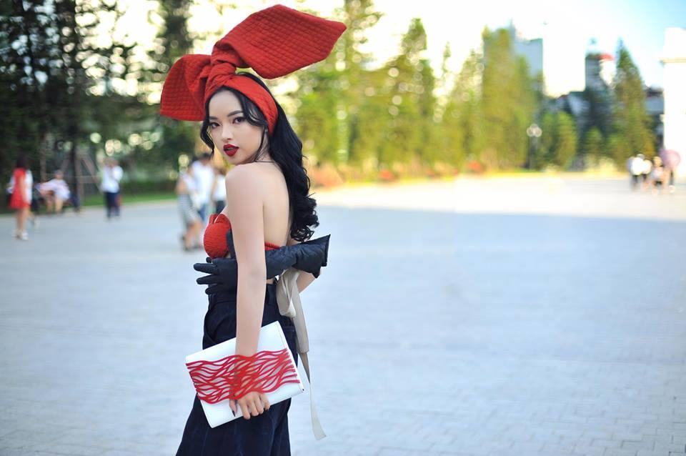 Hot girl - hot boy Việt 19/9: Châu Bùi gây sốt làng thời trang khi mặc crop-top bàn tay hư-4
