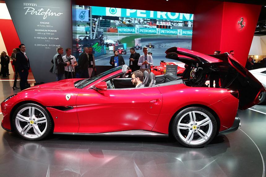 5 siêu xe ấn tượng nhất vừa ra mắt thế giới-3