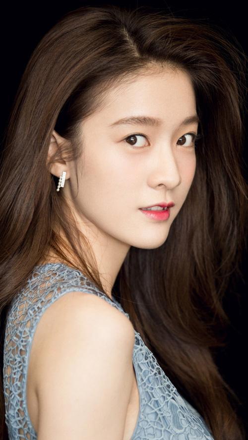 Lộ diện bạn gái mới của Dương Dương: Không phải Địch Lệ Nhiệt Ba!-1