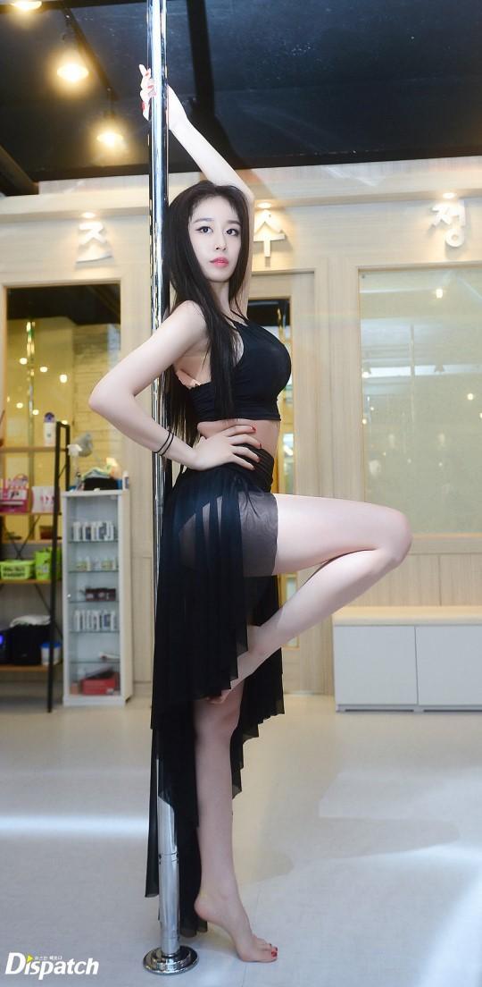 Sao Hàn 19/9: Tiểu Kim Tae Hee bị nghi ngờ nâng ngực khi khoe ảnh sexy-1