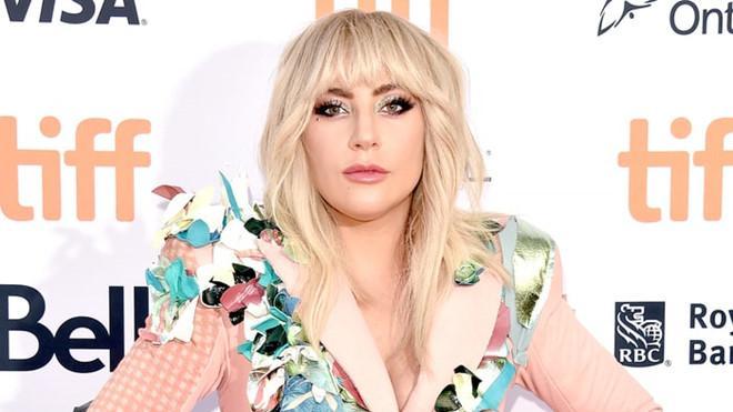 Lady Gaga hoãn lưu diễn châu Âu vì những cơn đau nghiêm trọng-1