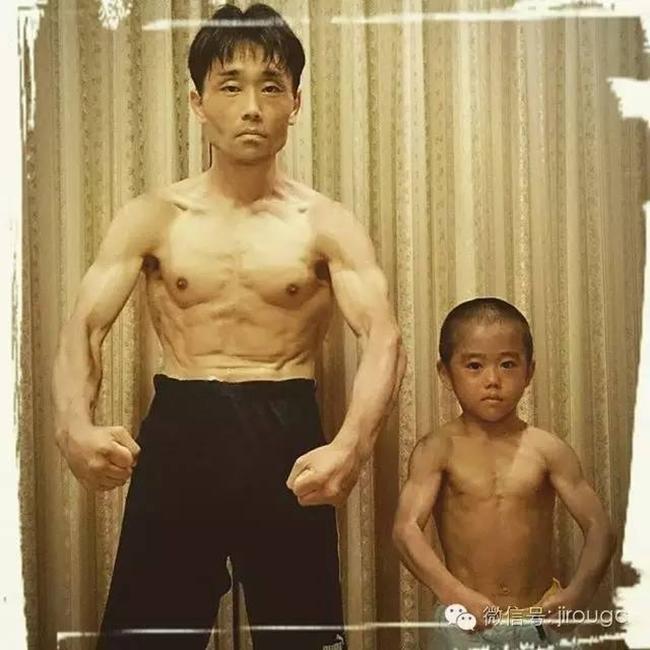 Thần đồng kungfu 7 tuổi mà cơ bắp cuồn cuộn, múa võ như Lý Tiểu Long-1