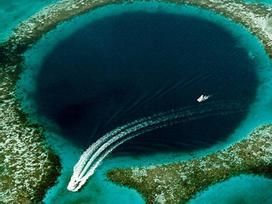 Phát hiện hố xanh khổng lồ giữa lòng đại dương nhưng thứ ẩn chứa trong đó còn đáng kinh ngạc hơn